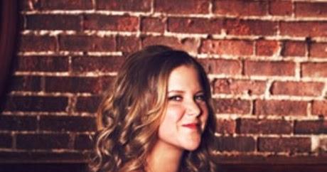 Amy Schumer Bra Size, Age, Weight ... - Celebrity Sizes