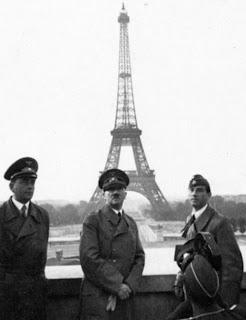 Los Nazis en la Torre Eiffel