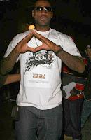 lebron illuminati triangulo