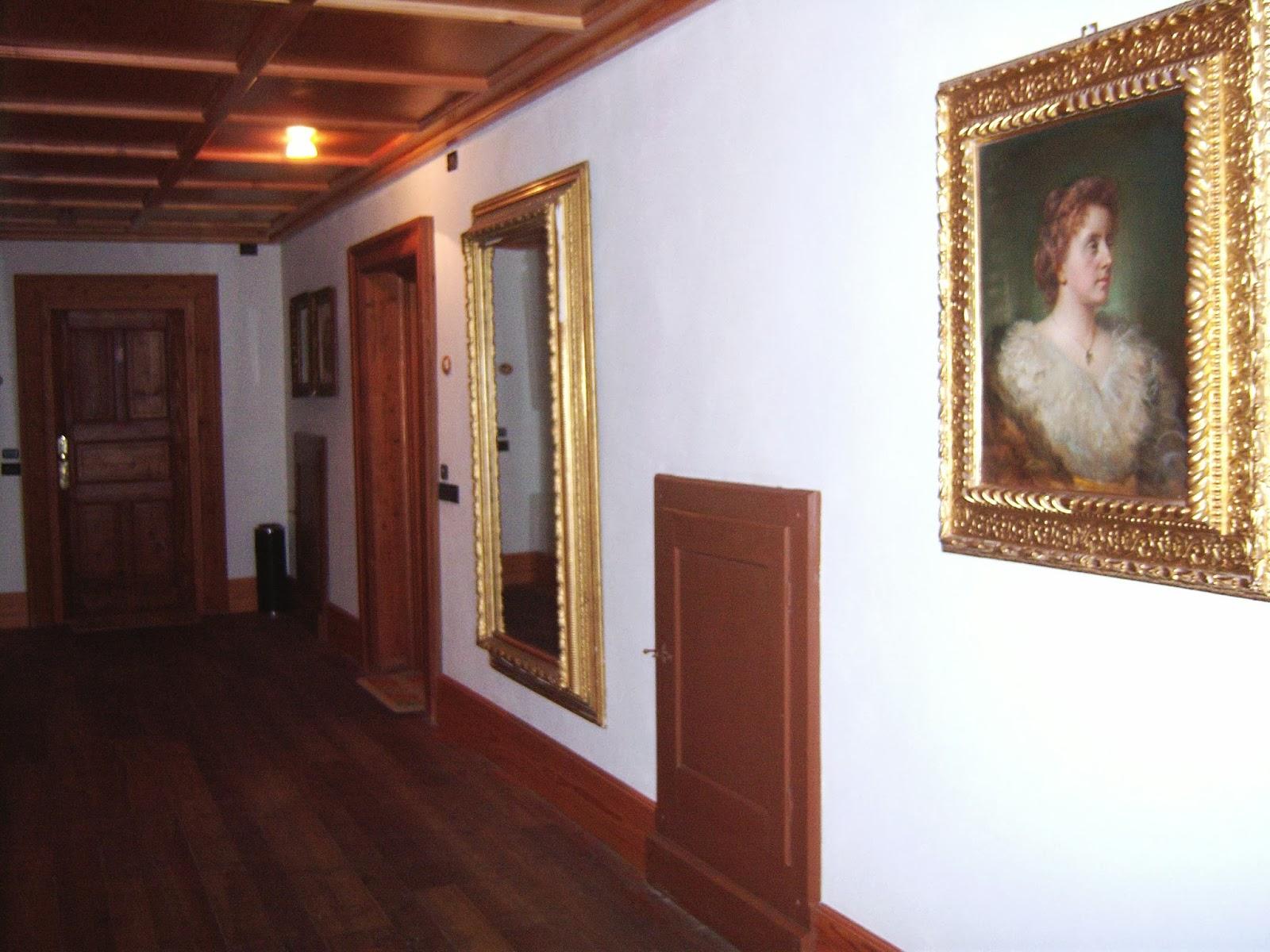 Tuscan glam tuscan glam a gressoney la villa della for La mu arredamenti