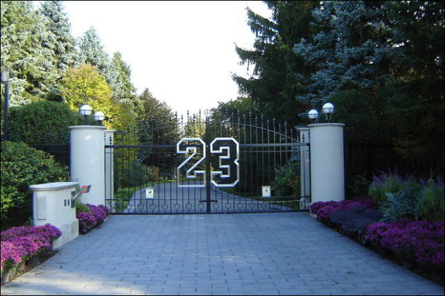 Michael jordan 39 s house for sale for 29m damn cool pictures for Chicago mansion for sale