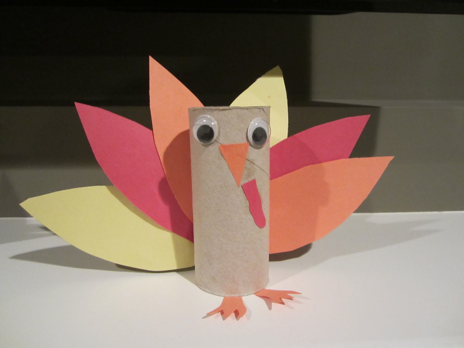 Lesson plans plus toilet paper tube turkeys and scarecrows for Tissue tube crafts