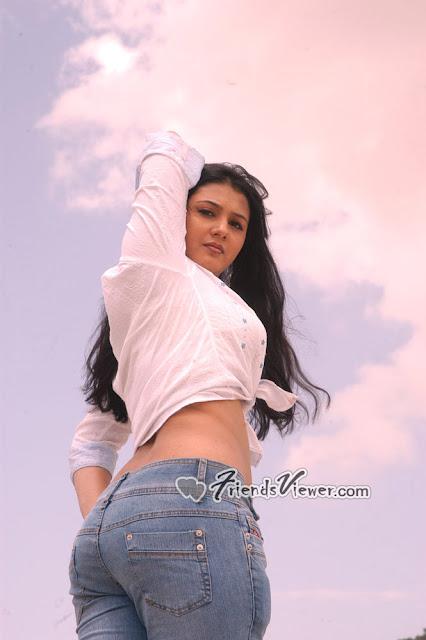 Indian sexy masala actress Jyothi Krishna in Sexy tight denim pants