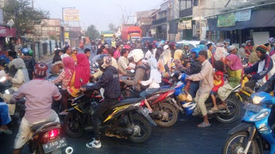 Gresik Belum Mengatasi Kemacetan di Perempatan Duduksampean Menjelang Lebaran