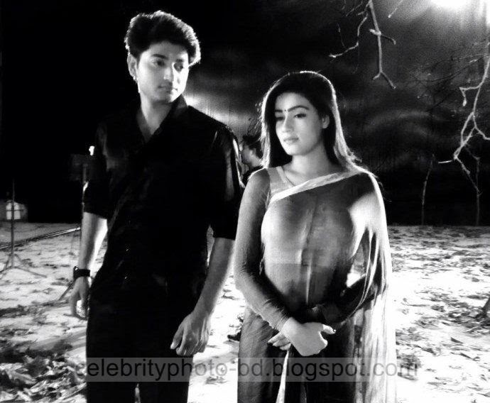 Mahiya+Mahi+and+Bappy+Chowdhury's+Some+Romantice+Hot+Photos+Latest+Collection+From+Bangla+Movie+Honeymoon+(2014)018
