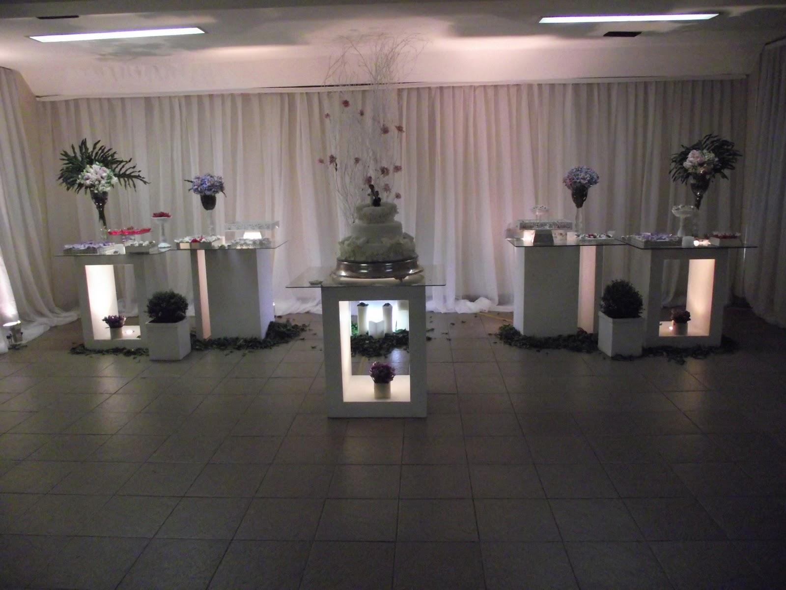 Decoração de casamento nas cores branco, rosa e lilas