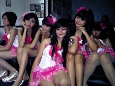 foto cewek seksi cheerleader SMA bandung
