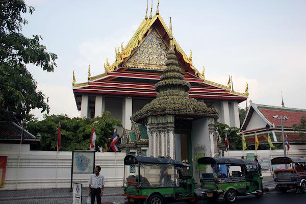 Templo del Buda reclinado de Bangkok