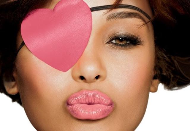Corrigir-lábios-com-maquiagem