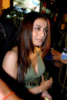 Rani Mukharji Cleavage Show