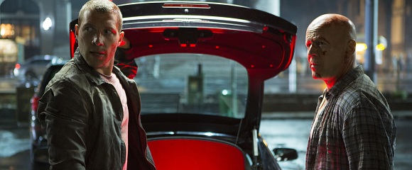 Jai Courtney e Bruce Willis em DURO DE MATAR - UM BOM DIA PARA MORRER (A Good Day to Die Hard)