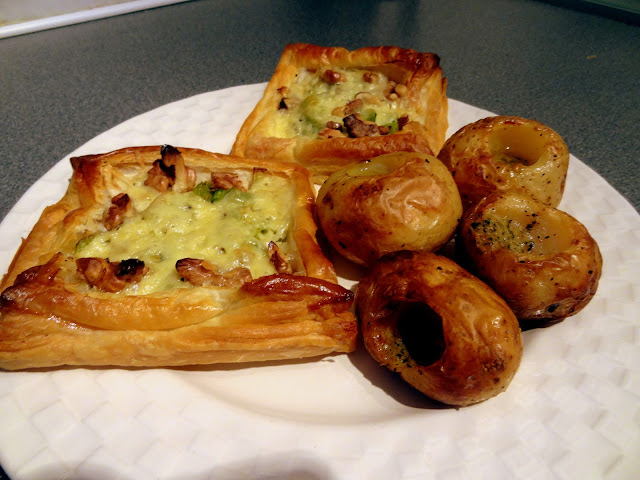 Cheese, Leek and Walnut Tarts