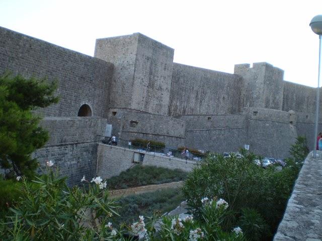 Дубровник-Стена-Вокруг