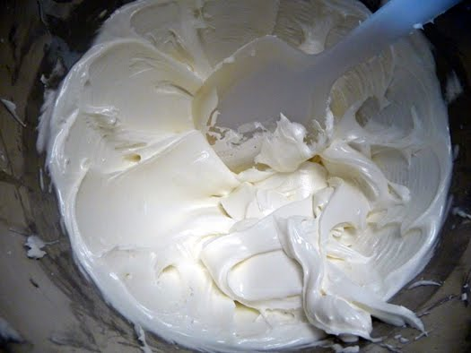 royal icing recipe ingredients 2 egg whites 2 teaspoons lemon juice 3 ...
