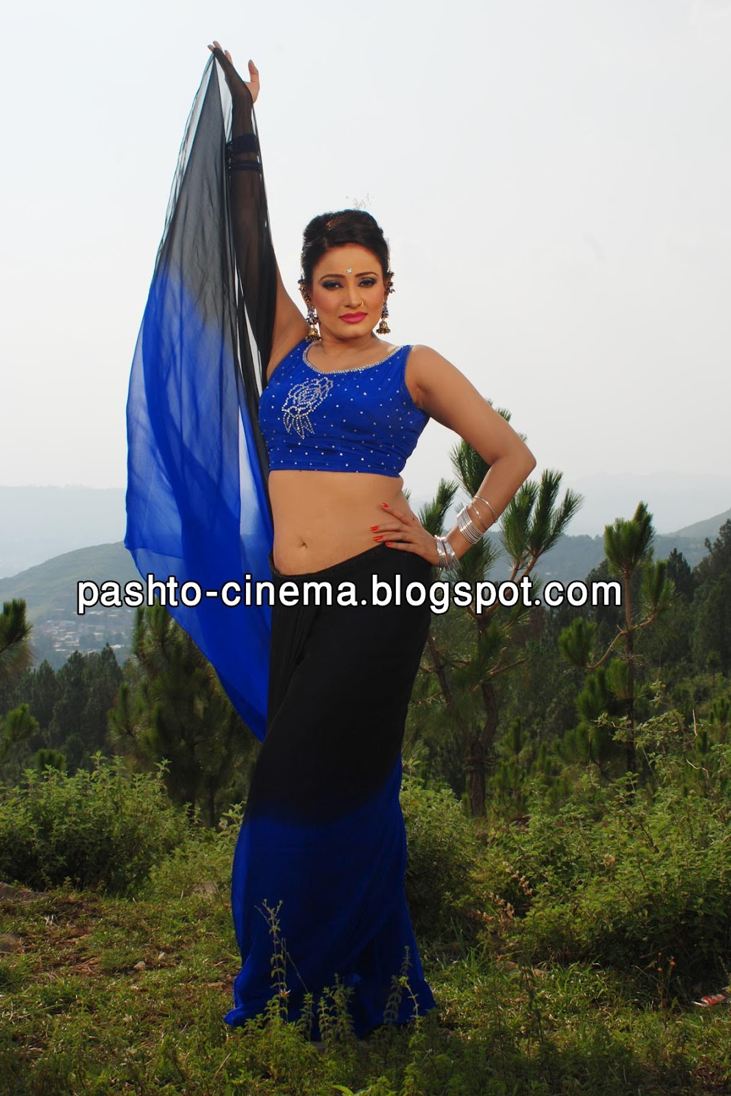 Sidra Noor Pics http://pashto-cinema.blogspot.com/2012/08/sidra-noor-new-wallpaper-in-film-qasam.html