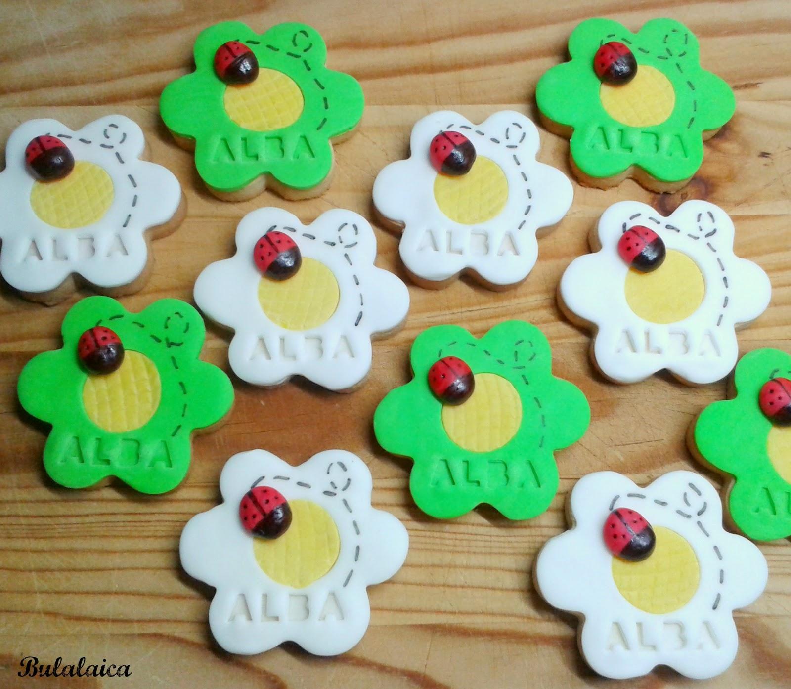 Galletas flor con mariquita