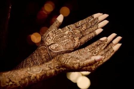 Mehndi-hand-design