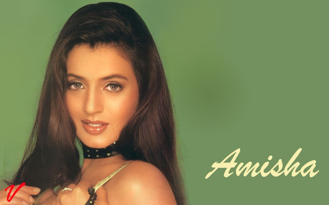 Amisha Patel Face Close up Pics