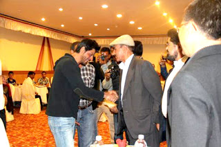 Shahrukh and Yash Chopra spotted at a gala dinner in Ladakh