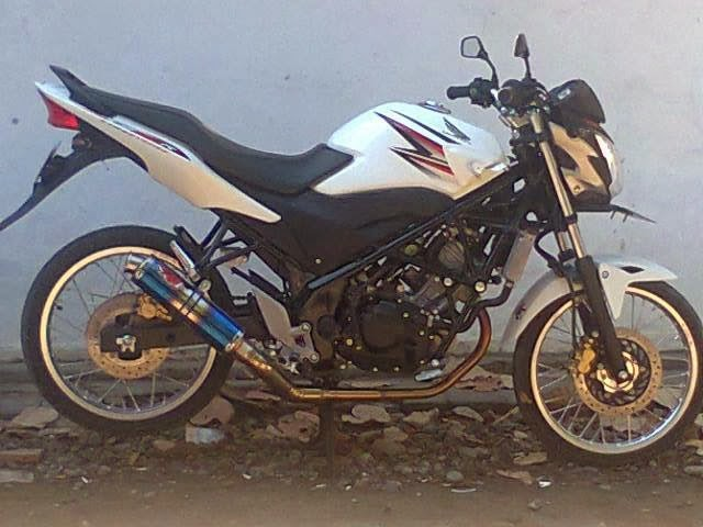 Modifikasi Honda CB150R Velg Jari-Jari keren