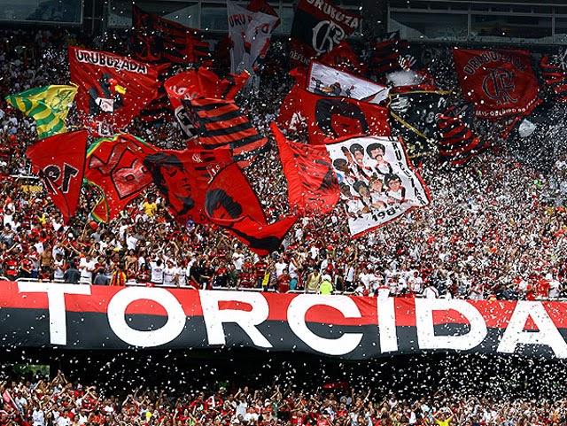 Pacote para jogo de futebol no Rio - Torcida do Flamengo na arquibancada