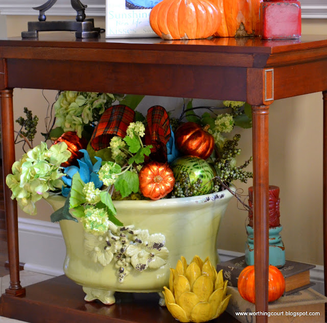 Fall arrangement via Worthing Court blog