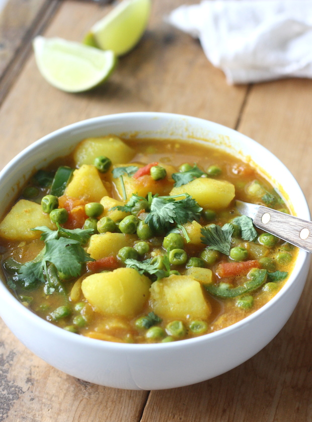 Potato & Sweet Pea Curry recipe (Aloo Matar) by SeasonWithSpice.com