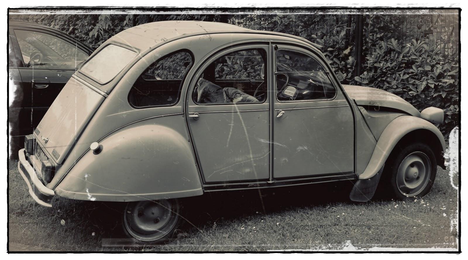 randonnez vous dans ce blog 12 mois en noir et blanc juin voiture ancienne. Black Bedroom Furniture Sets. Home Design Ideas