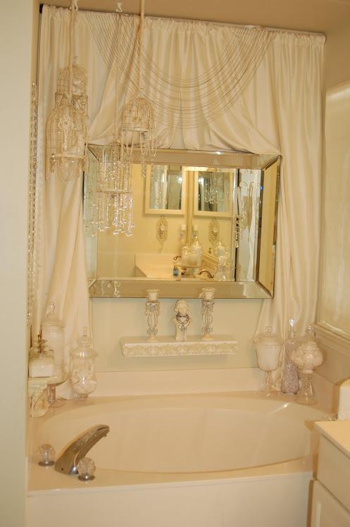my frilly salle de bains