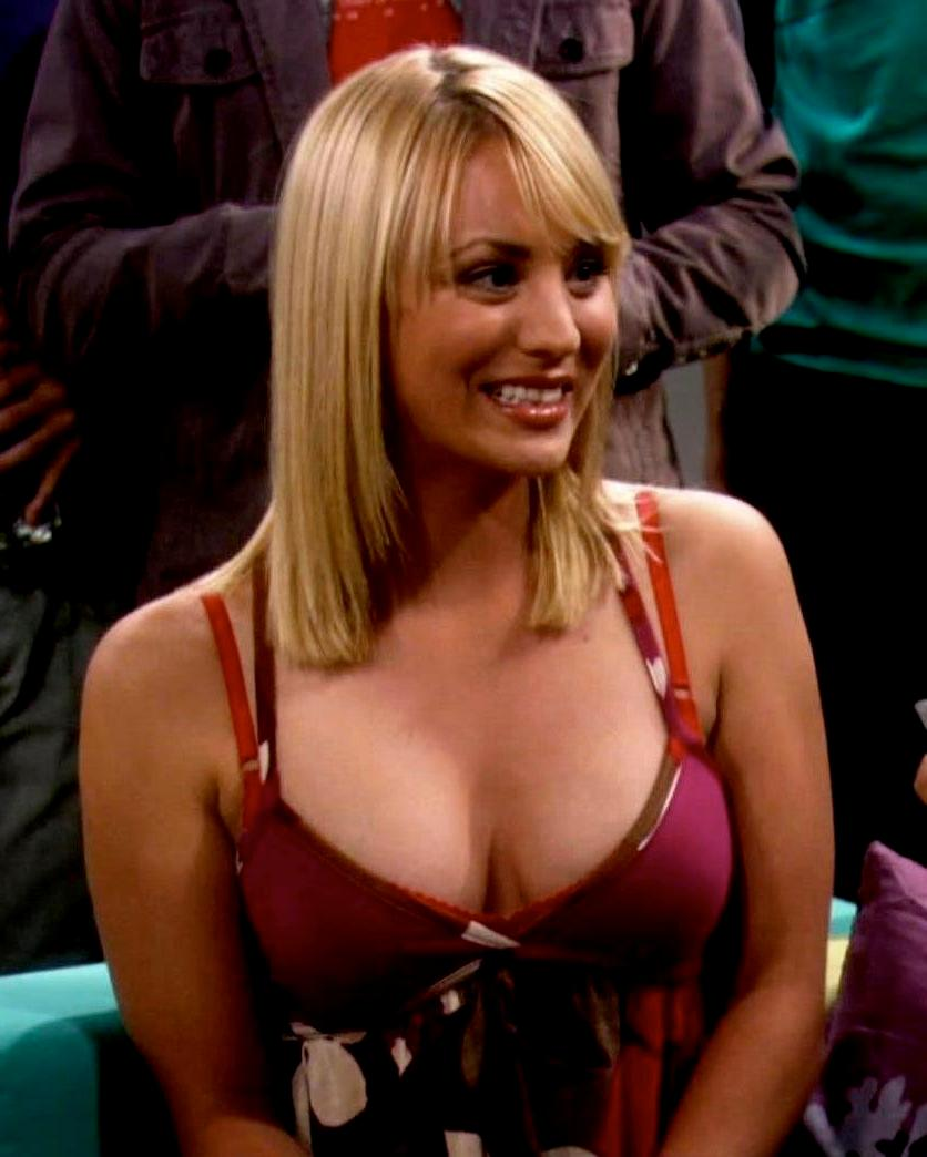 Kaley Cuoco hot boobs