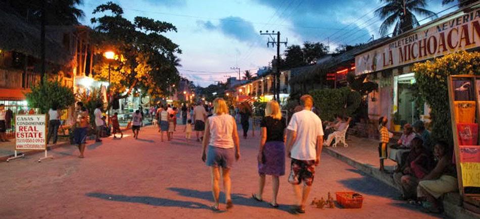 Bioluminiscencia en laguna de manialtepec oaxaca mxico puedes visitar puerto escondido thecheapjerseys Gallery