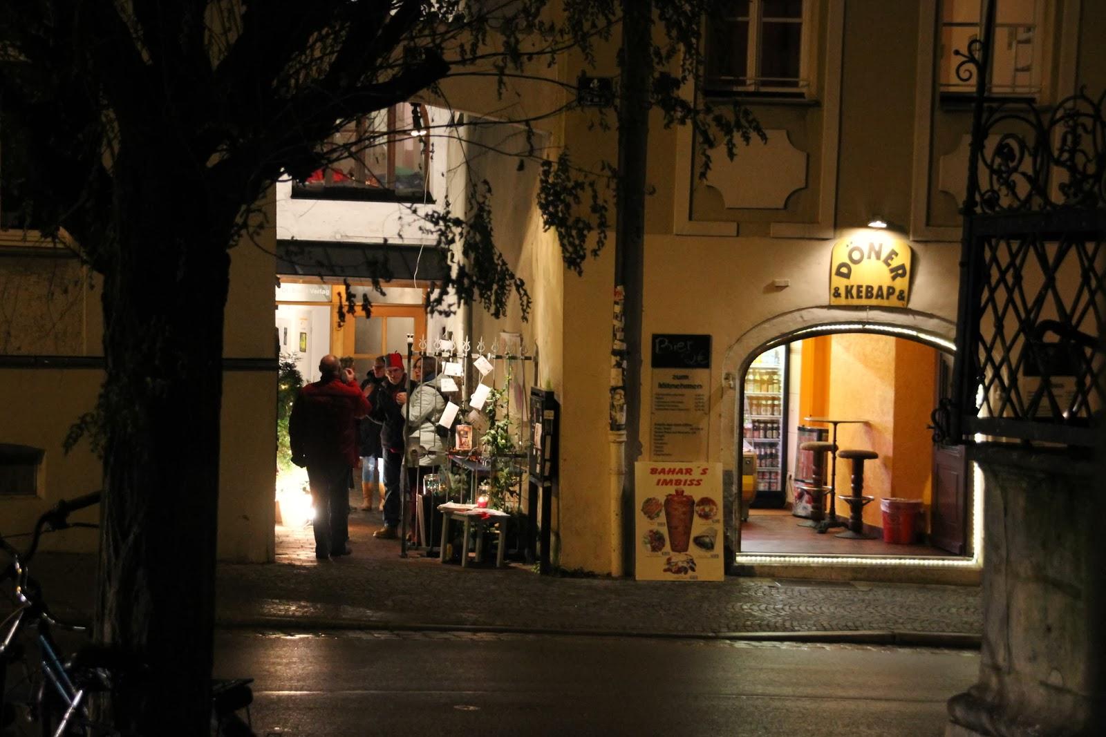 regensburger tagebuch kleine weihnachtsfeier am fischmarkt 3. Black Bedroom Furniture Sets. Home Design Ideas