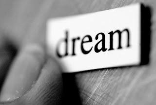 Mimpi Adalah Simbol
