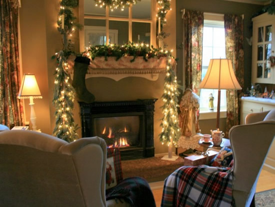 Mantel Christmas Decorating Ideas | Kitchen Layout & Decor Ideas