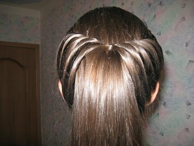 Прически с челкой на длинные волосы плетение