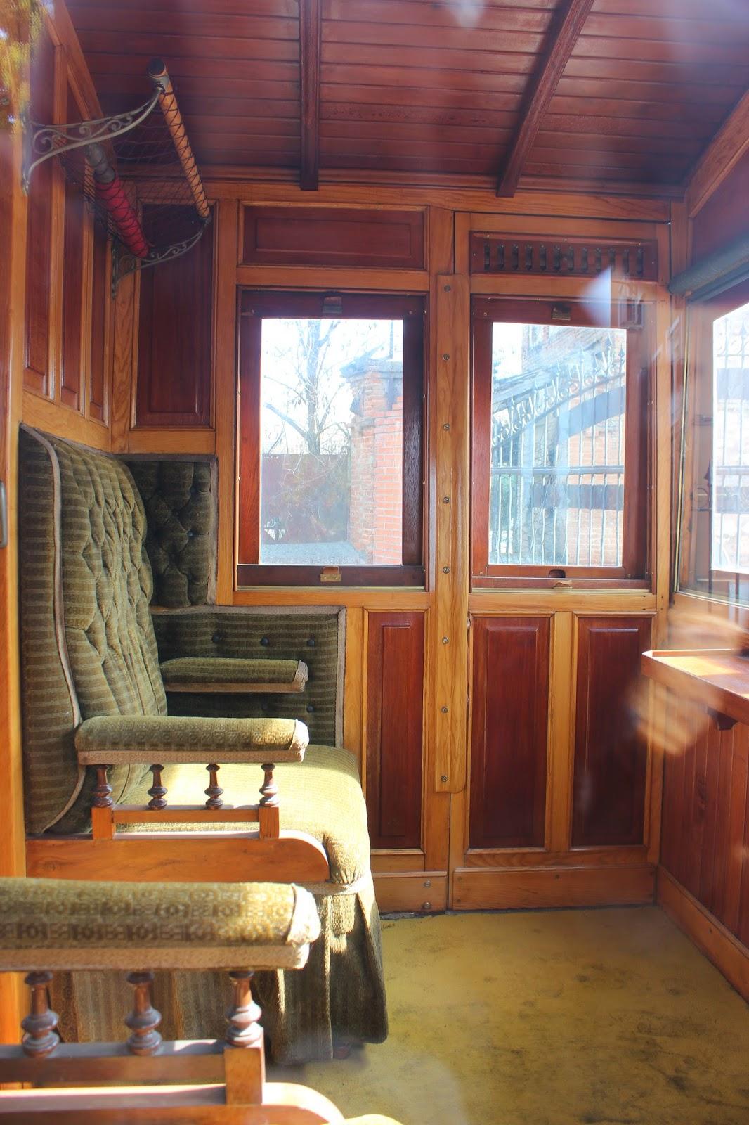 Interior de un tren de vapor. Tren de Arganda