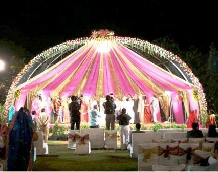 Decoracion de bodas for Boda en un jardin de noche