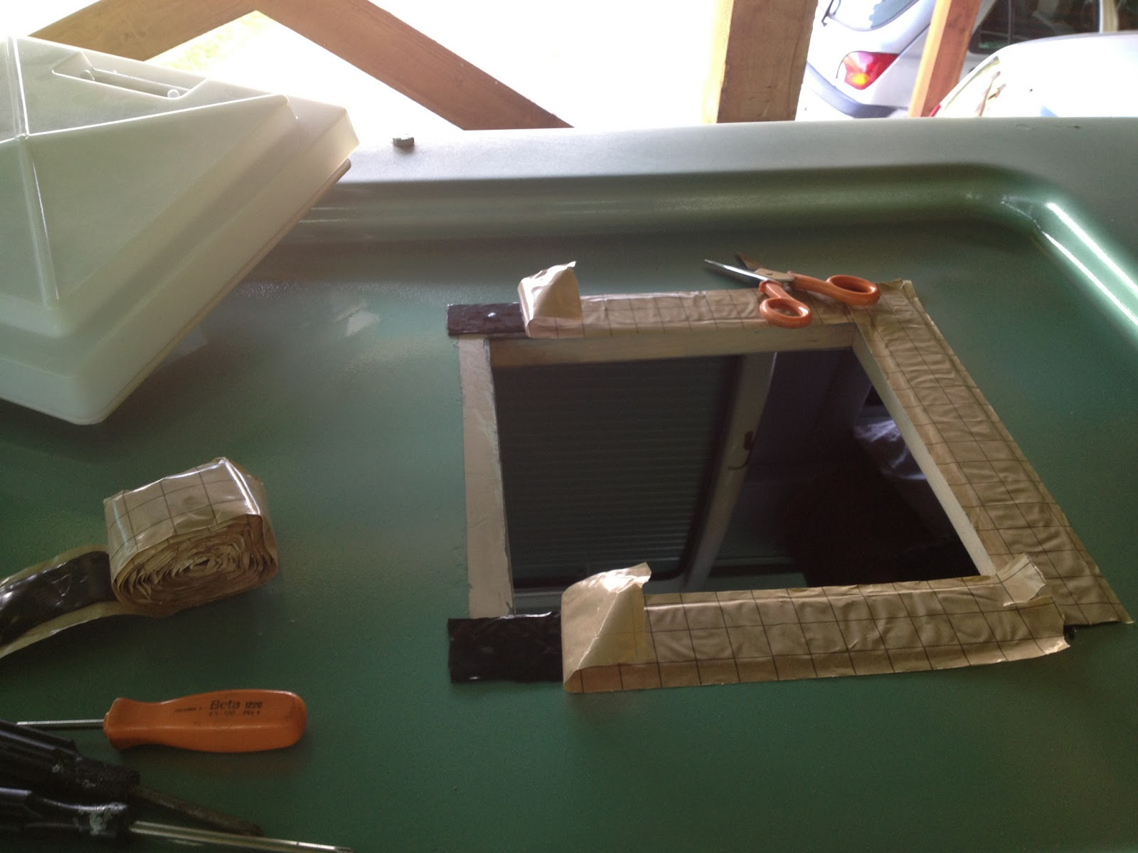 Idee da condividere sostituzione obl camper westfalia - Oblo tetto casa ...