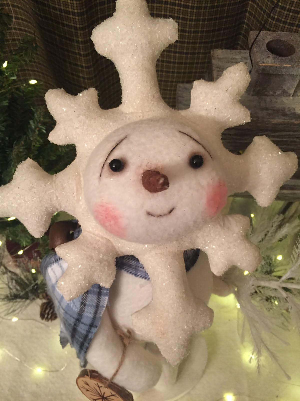 Standing Snowflake Snowman With Tree And Ornament