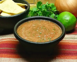 Restaurant Style Salsa, in Less Than 10 Minutes!
