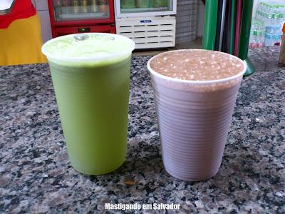 Larica's Lanches: Suco de Limão com Hortelã e Nescau gelado
