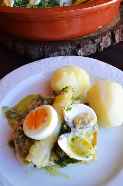 Merluza en salsa verde con esparragos the spanish food - Almejas con salsa verde ...