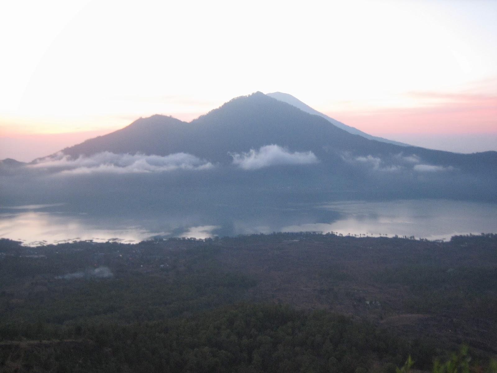 mt-batur-sunrise-trek-volcano-hike-bali