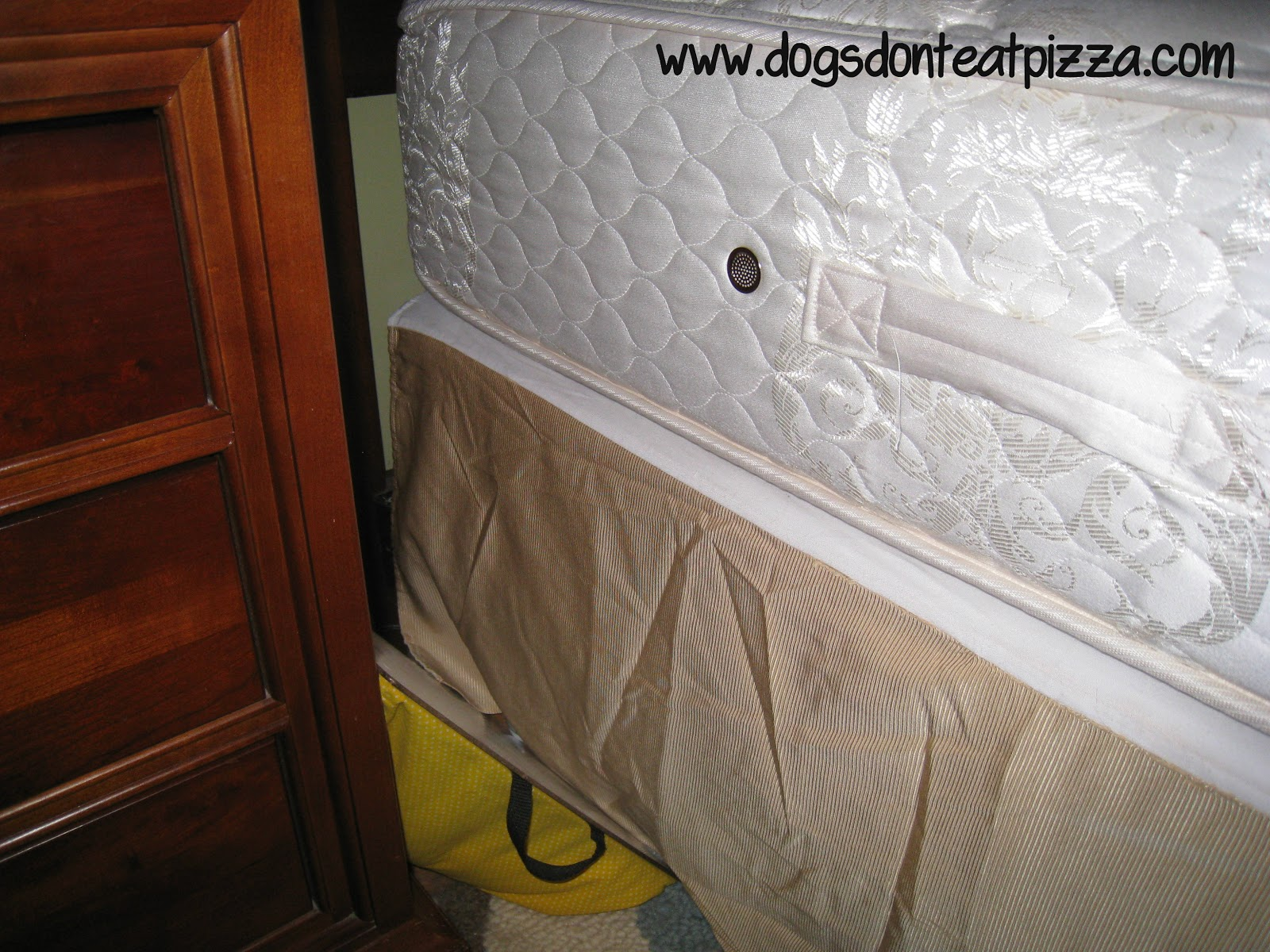 How to keep a bedskirt in place - thediybungalow.com