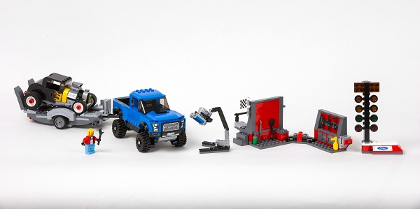 Ford y Lego introducen versiones para armar del Mustang y la F-150 Raptor