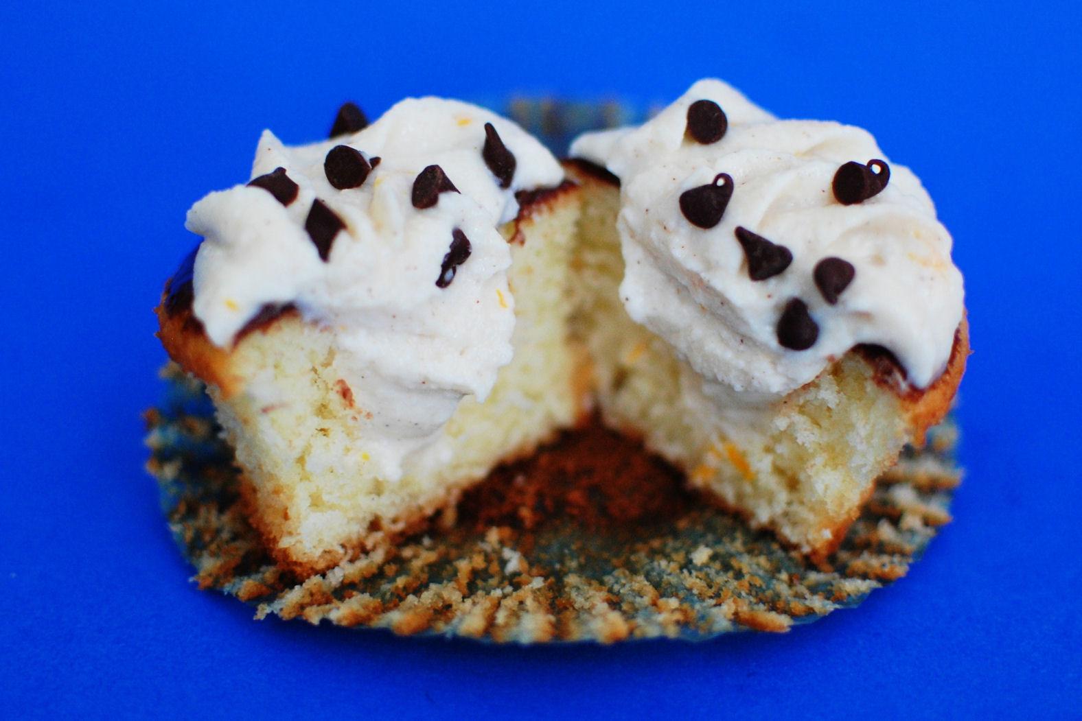 Cannoli Cupcakes   Beantown Baker