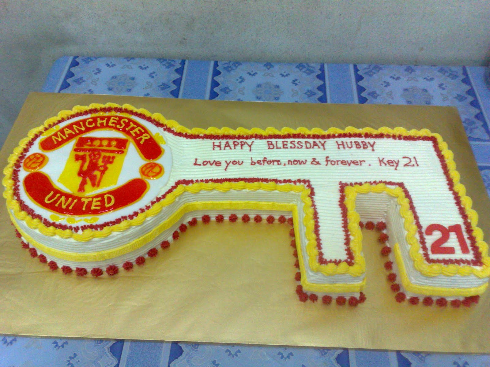 Key Cake Designs For 21st Birthday : L mis Cakes & Cupcakes Ipoh Contact : 012-5991233 : 21st ...