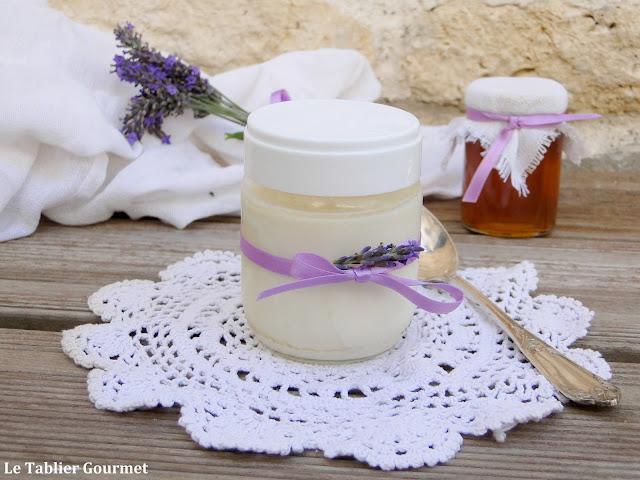 Un dessert original et estival à la yaourtière : les yaourts à la lavande et au miel !