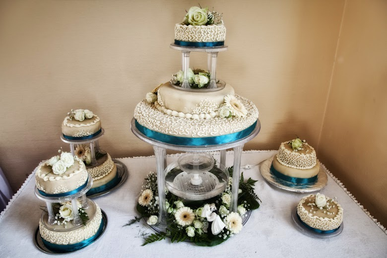 http://kāzufoto.lv/wedding-cakes/
