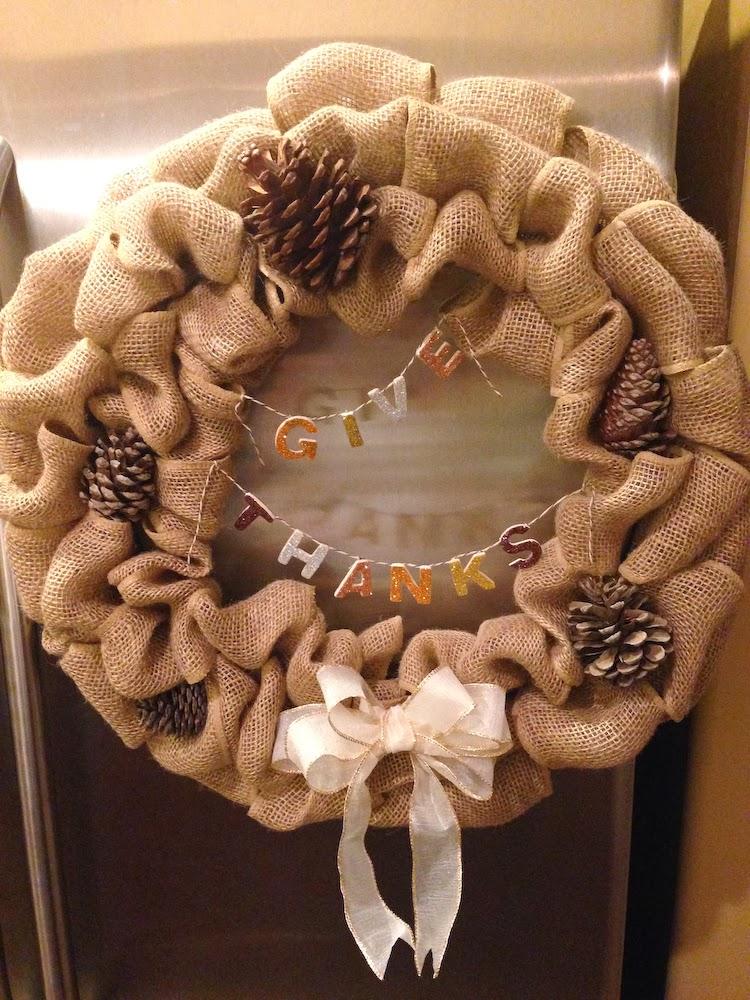 the bubbly hostess  diy burlap wreath